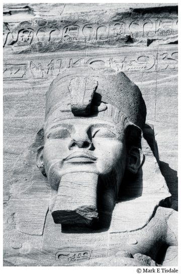 Abu Simbel Statue - Egypt - picture of the sculptured face of Ramses II